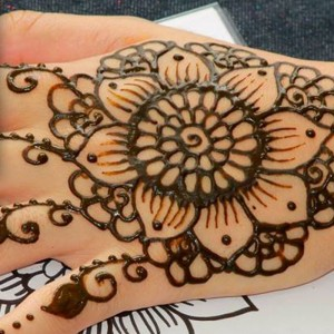 Cool Henna by Rozine