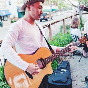 Daniel Switch - Singing Guitarist / Acoustic Band in Minneapolis, Minnesota