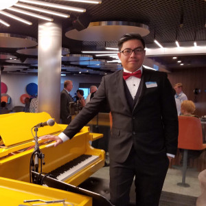 Dante Salamante - Singing Pianist in Elgin, Illinois
