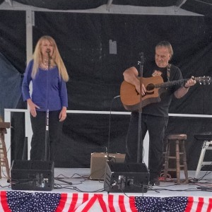 Dave and Beth Irvin - Country Singer in Peculiar, Missouri