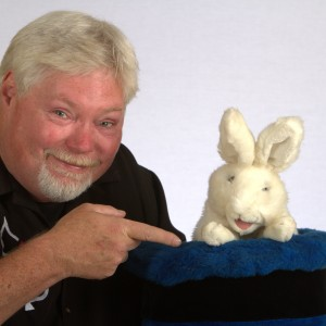 Bill DelMar - Comedy Magician in Evansville, Indiana