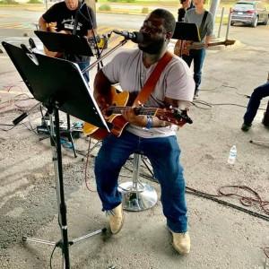 David E. Aghado - Praise & Worship Leader / Singing Pianist in Austin, Texas