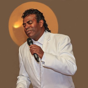Mirror of Johnny Mathis - Johnny Mathis Impersonator / Jazz Band in Orlando, Florida