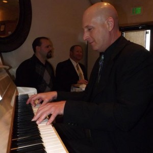 Davie G - Pianist / Holiday Party Entertainment in Milwaukee, Wisconsin