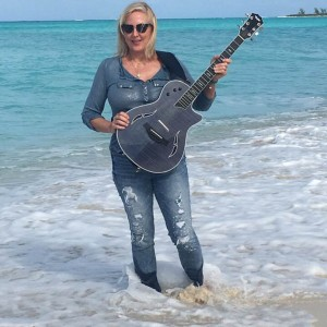 Deborah Gold - Singing Guitarist in Victoria, British Columbia