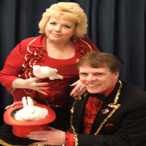 Dennis The Magician - Magician / Holiday Party Entertainment in Millville, Massachusetts