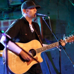 Derek Cate - Singing Guitarist in Bend, Oregon