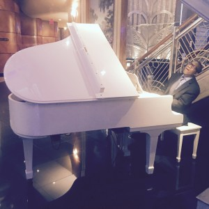 Devon Anthony Music - Christmas Carolers / Keyboard Player in New York City, New York