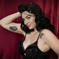 Dizzy Von Damn! - Burlesque Entertainment / 1940s Era Entertainment in Seattle, Washington