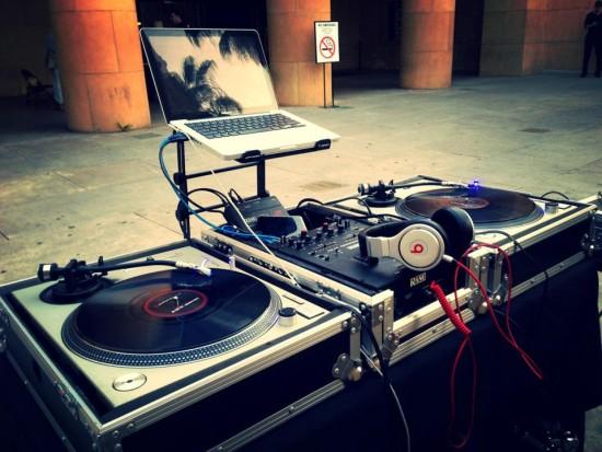 Hire Dj Criss Beatz Mobile Dj In Los Angeles California