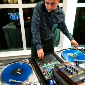 DJ Demonstr8 Mobile DJ Services - Wedding DJ / Wedding Musicians in Kansas City, Missouri