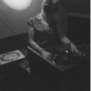 DJ Jennder