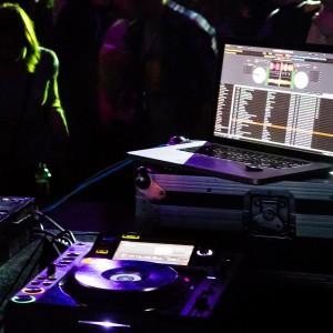 Dj Master - Wedding DJ / Wedding Entertainment in Hollywood, Florida