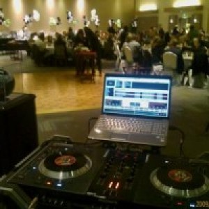 DJ Thump Entertainment - Mobile DJ / Wedding DJ in Portland, Oregon