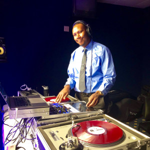 DJ Uncle Zee - Mobile DJ in Worcester, Massachusetts