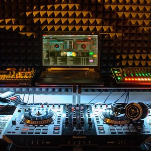 Djmwb - Mobile DJ / Videographer in Duarte, California
