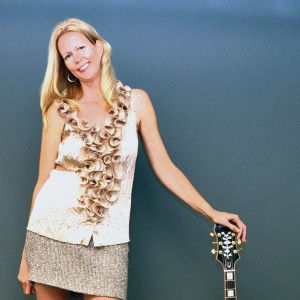 Donna Holman - Singing Guitarist in Naples, Florida