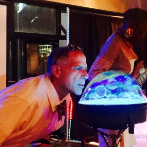Dr Awesome. Professional Bubbleologist - Bubble Entertainment / Outdoor Party Entertainment in Cleveland Heights, Ohio