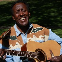 DrWoodard Music Review - One Man Band / Jazz Singer in Ashland, Oregon
