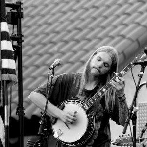 Eathan Hakker - Banjo Player / Folk Singer in Hanford, California