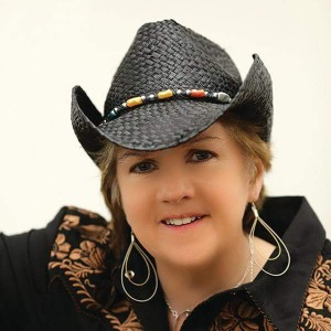 Elaine - Country Singer / Country Band in Toms River, New Jersey