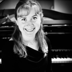 Elizabeth Dunkel - Classical Pianist in Dayton, Ohio