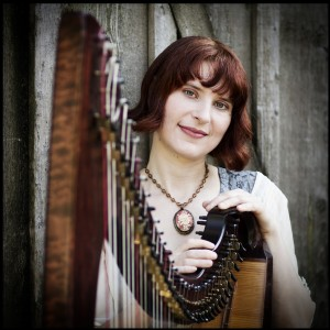 Elizabeth Nicholson - Harpist / Celtic Music in Portland, Oregon