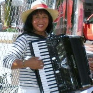 Elizabeth Wisler, Music Around the World - Accordion Player / One Man Band in Portland, Oregon