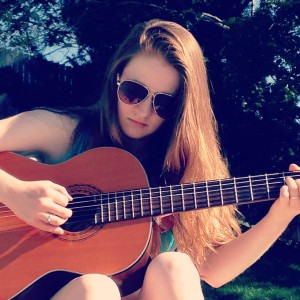 Ellie Woodruff - Singing Guitarist in Chattanooga, Tennessee
