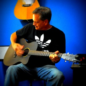elwood - Singer/Songwriter / Singing Guitarist in Forney, Texas