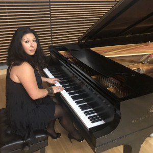 Emiko - Singing Pianist in Los Angeles, California