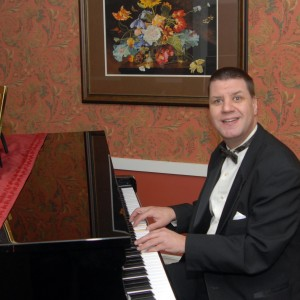 Enjoy with Troy - Pianist / 1940s Era Entertainment in Davenport, Iowa