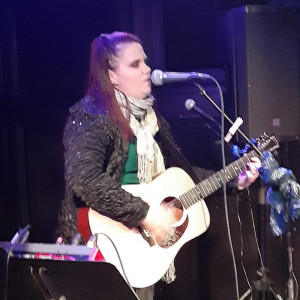 Erin Powers Show - Singing Guitarist / Acoustic Band in Saratoga Springs, New York