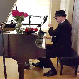 Evan Holiday - Singing Pianist / Pianist in San Clemente, California