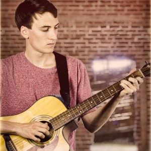 Evan Olmos - Singing Guitarist in Turlock, California