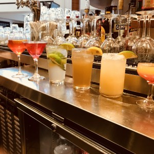 bartenders & waiters - Bartender / Wedding Services in Jackson Heights, New York