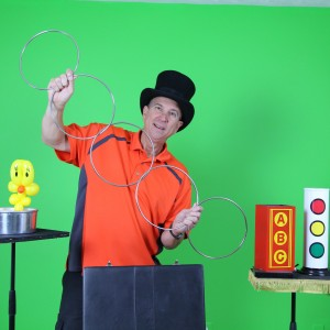 Extreme Balloons - Family Entertainment - Strolling/Close-up Magician / Halloween Party Entertainment in Abingdon, Maryland