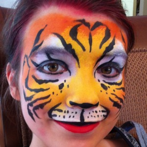 Face Painting In Paradise Hawaii - Face Painter / Outdoor Party Entertainment in Honolulu, Hawaii