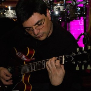 Fernando Mojica - Jazz Guitarist in Arlington, Virginia