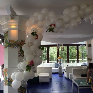 Floatbln balloon decor - Balloon Decor in Huntingdon Valley, Pennsylvania