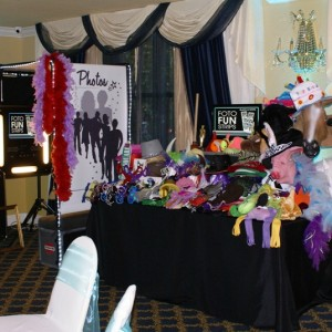 Fotos-R-Fun, LLC - Photo Booths / Wedding Services in Englewood, Florida