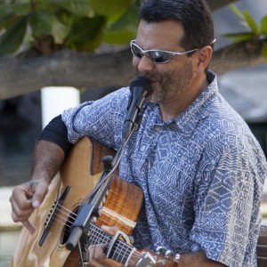 Frank Rolon Jr. - Singing Guitarist in Waikoloa, Hawaii
