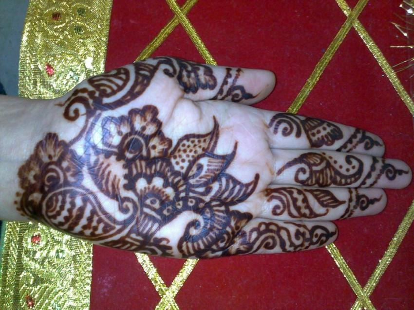 Henna Tattoo Artist Rental: Hire FusionHenna Tattoos And Body ARt