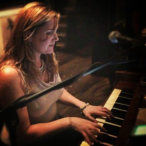 Gena McGuire - Singing Pianist in New York City, New York