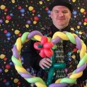 Giggalin Gil Entertainment - Balloon Twister / Strolling/Close-up Magician in Racine, Wisconsin