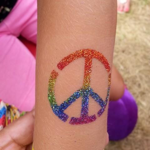 Hire glitter tattoo new york temporary tattoo artist in for Henna tattoo nyc