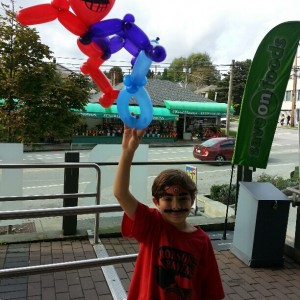 Golden Sun Balloon Twister - Balloon Twister / Face Painter in Vancouver, British Columbia