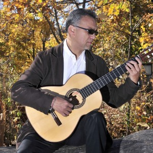 Gonzalo Cordova - Singing Guitarist in Chicago, Illinois