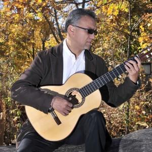 Gonzalo Cordova - Singing Guitarist / Latin Band in Chicago, Illinois