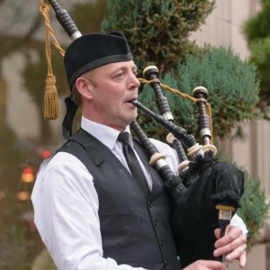 Gordon Convoy - Bagpiper in Portland, Oregon